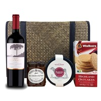 Araucaria Cabernet Sauvignon and Cheese Hamper